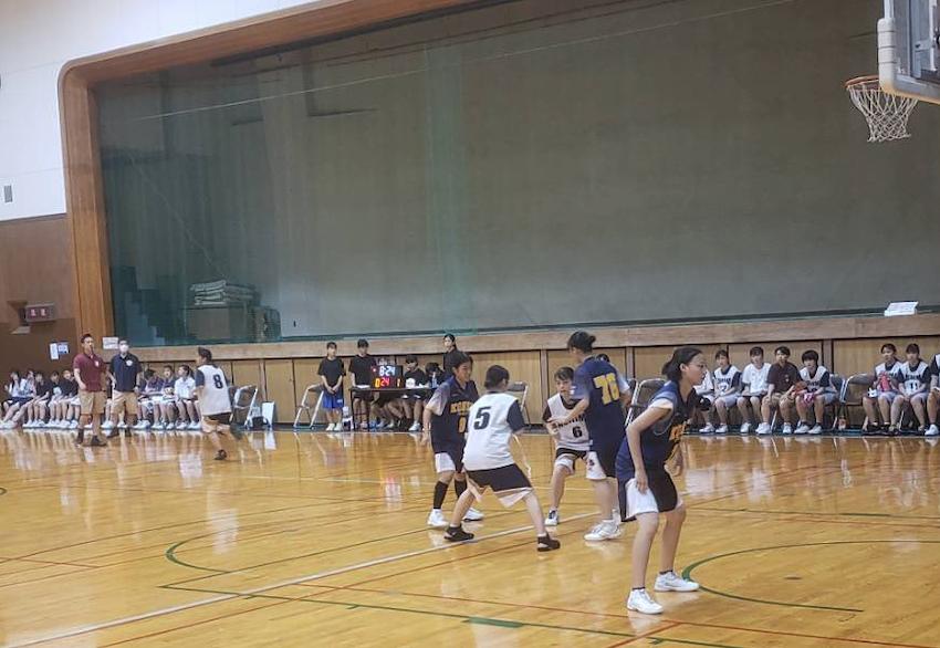 バスケットボール部を応援