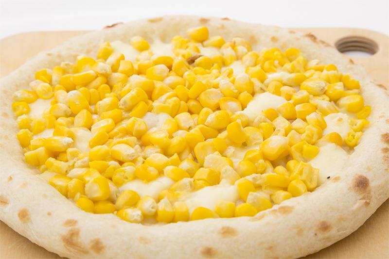 朝採れトウモロコシのピザ