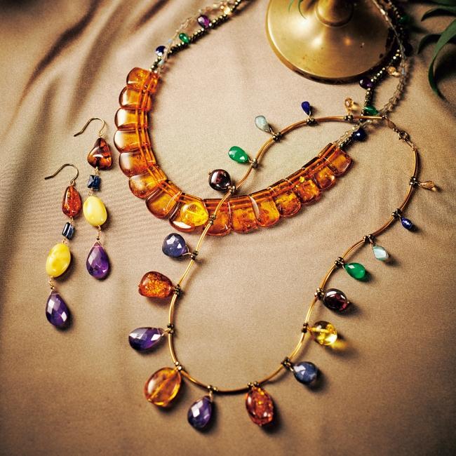 necklace 63,000yen 50,000yen pierced earrings 35,000yen