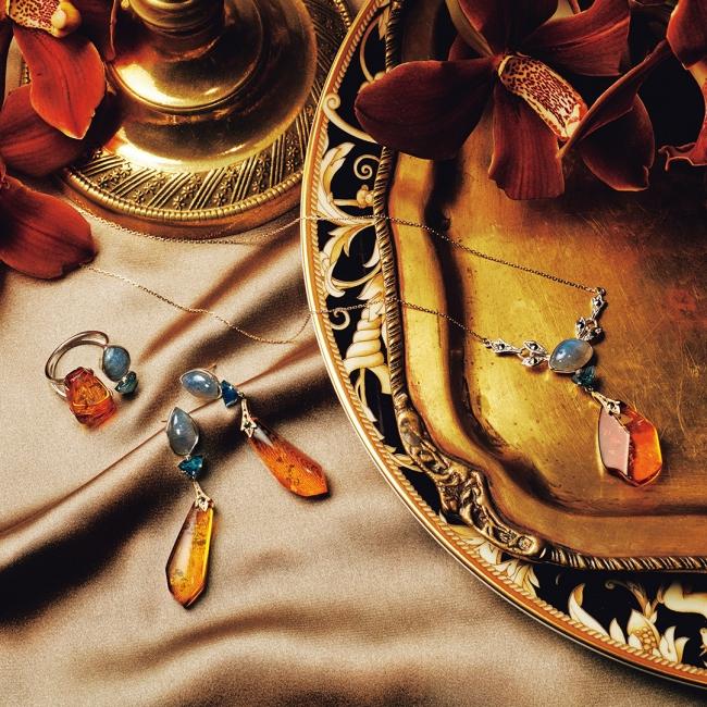 ring 40,000yen pierced earrings 68,000yen necklace 62,000yen 店舗限定商品