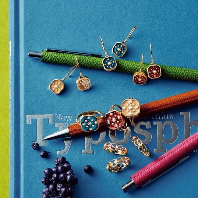 【from top】pierced earrings 12,000yen each ring 12,000yen each pinky ring 10,000yen each