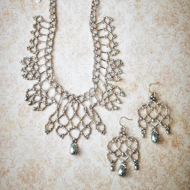 necklace 45,000yen pierced earrings 29,000yen