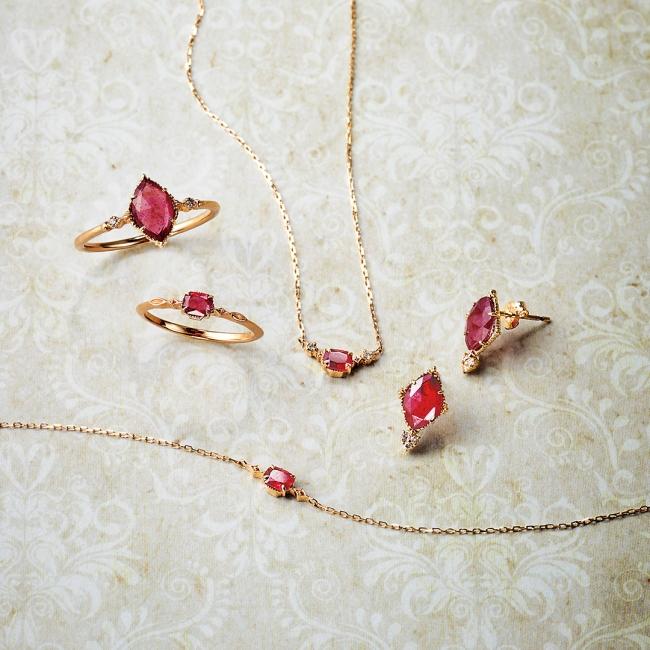 bracelet 22,000yen ring 29,000yen pinky ring 19,000yen necklace 26,000yen pierced earrings 34,000yen