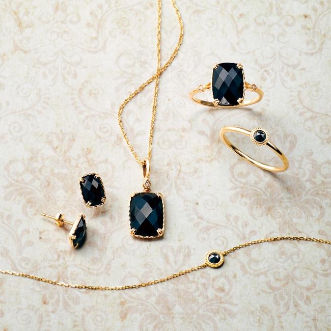 bracelet 26,000yen pierced earrings 22,000yen chain 20,000yen charm 23,000yen ring 31,000yen ring 27,000yen