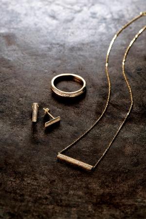 from left pierced earrings 55,000yen ring 76,000yen necklace 68,000yen K18 and diamond