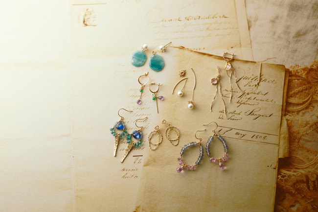pierced earrings 17,000yen~ charm 12,000yen~