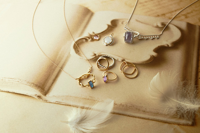 ring 25,000yen~ pinky ring 35,000yen~ charm 19,000yen~ necklace 20,000yen~