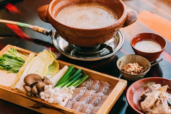 ピーナッツヨーグルロ味噌の鯛鍋