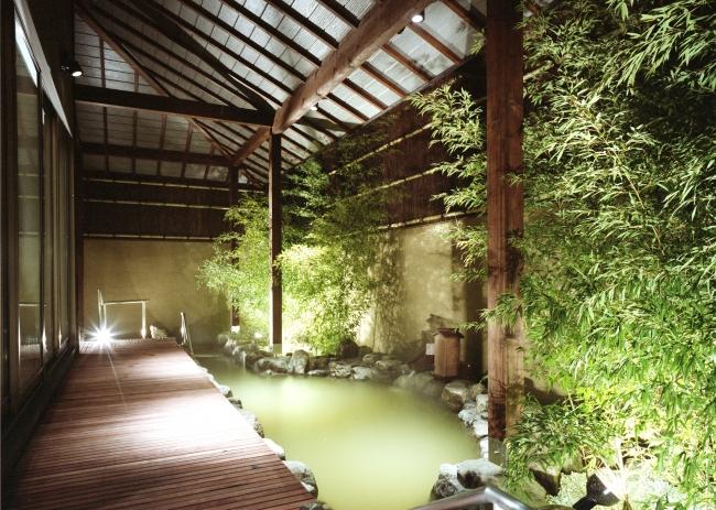 竹の庭の露天風呂