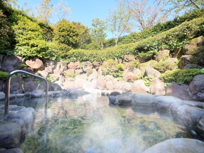 伊豆山温泉の露天風呂