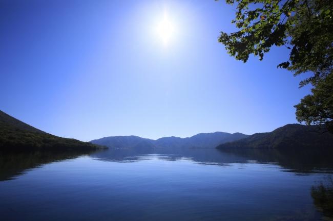中禅寺湖を眼下に見る寛ぎの宿