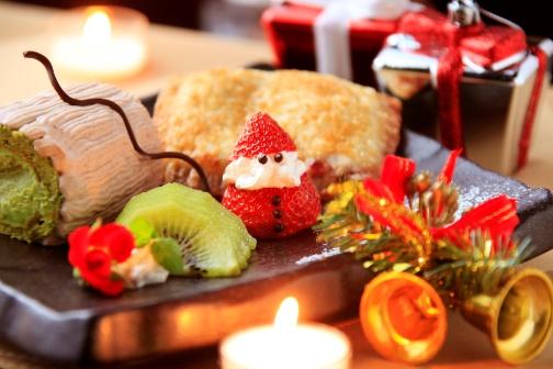 クリスマス特別ディナーを愉しんで(イメージ)