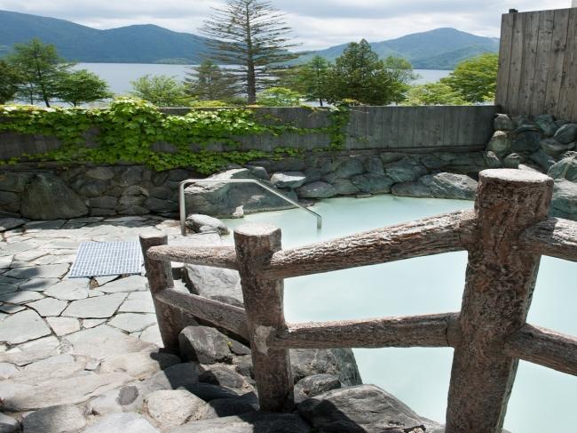 温泉大浴場の露天風呂