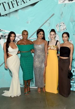 (左から)キム・カーダシアン、メアリー・J. ブライジ、プリヤンカー・チョープラー、レイチェル・ブロズナハン、ゾーイ・クラヴィッツ Photo Credit Getty Images for Tiffany & Co.