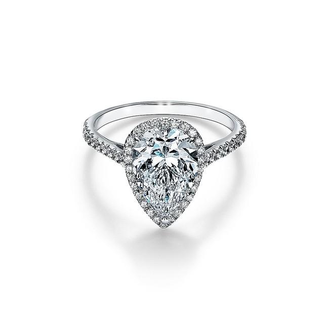 ティファニー ソレスト ペアシェイプ ダイヤモンド リング 参考商品