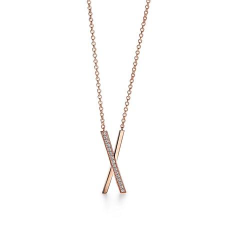 ティファニー アトラス X ペンダント(ラージ) 18Kローズゴールド ダイヤモンド ¥434,500(税込)
