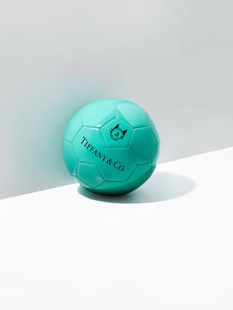 ティファニー x『スポルディング』サッカーボール ¥69,300-(税込)