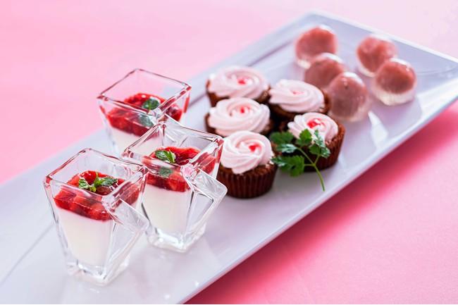 いちごミルクプリン、桜葛餅、ストロベリーケーキ