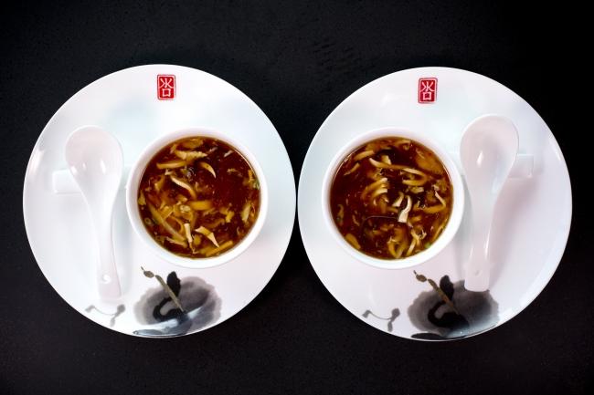 「Qi Nine Dragons」 蟹肉入り酸辣スープ