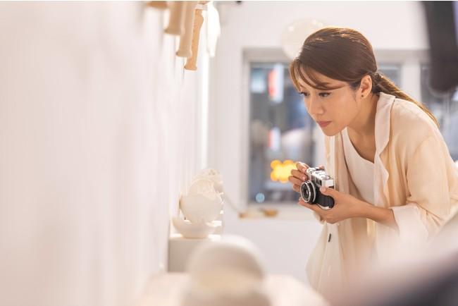 「アート in 香港」の特設サイトでは 香港の著名人が香港のアートスポットを紹介する動画を掲載