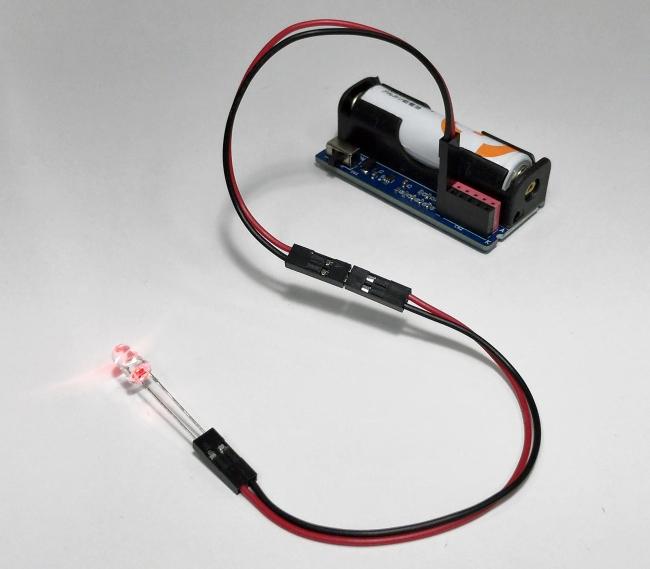 延長ケーブルで離れたところにLEDを取付けることも可能です