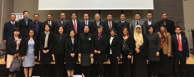 「ASEANサービス貿易フォーラム」に参加したASEAN9カ国の政府関係者