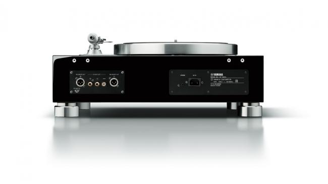 ヤマハ ターンテーブル 『GT-5000』 カラー:(BP)ピアノブラック 本体価格800,000円(税抜)