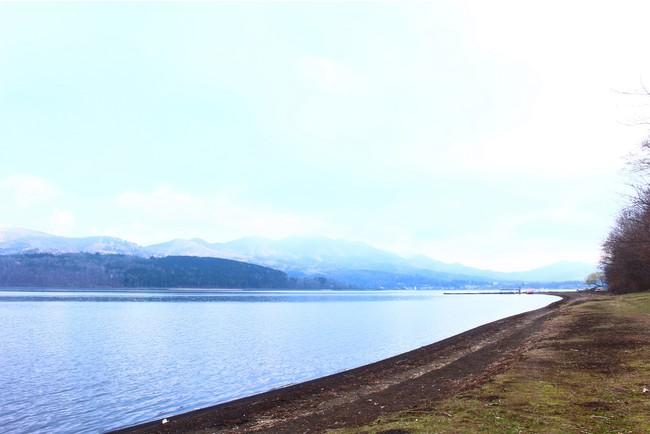 山中湖を眺めながら、ぼんやり。