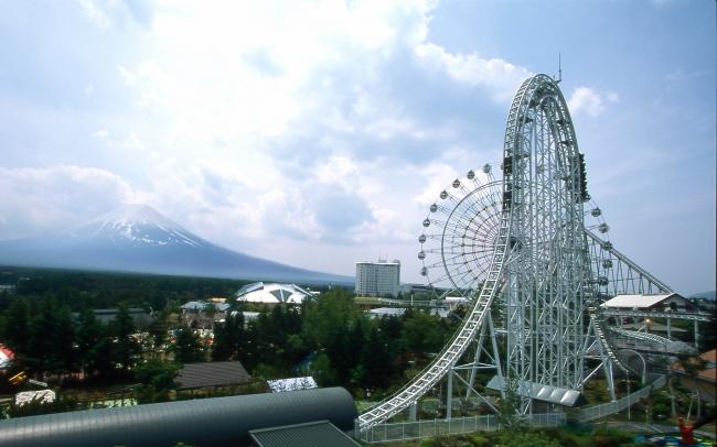 富士山と「ドドンパ」