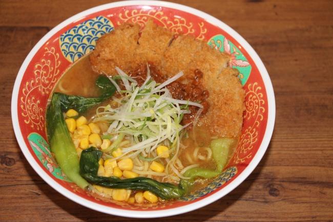 豚カツラーメン(1,000円)