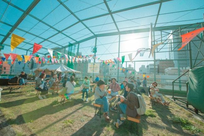 アースディマーケット事務局と共催で関東近県の野菜生産者、オーガニック関連業者や、いま注目のエシカルファッション(社会貢献型ファッション)企業も出展