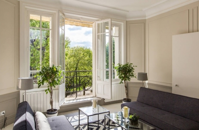 パリ:7区に位置する3ベッドルームの素晴らしいパリジャンアトリエ
