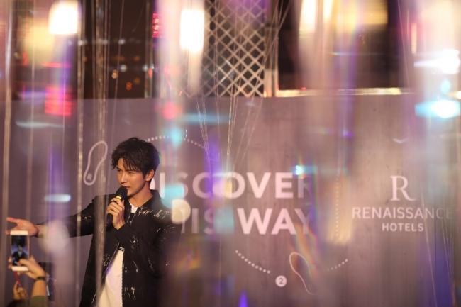 【写真】ルネッサンス・バンコク・ラッチャプラソーン・ホテルにて行われた「グローバル・ デイ・オブ・ディスカバリー」に 出席した、タイのセレブで俳優・モデル兼DJとして活躍するプッシュ・プティチャイ