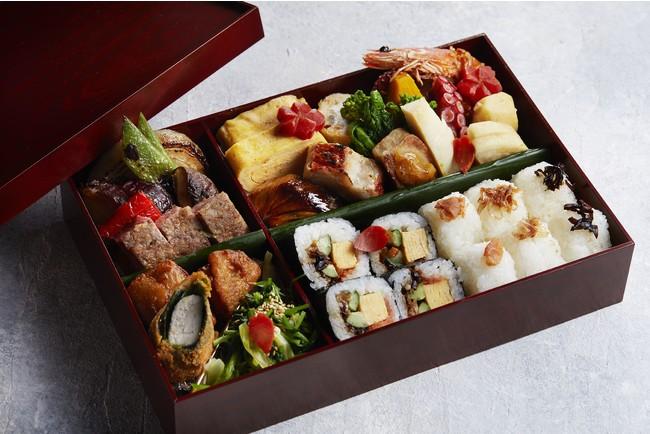 ・ 日本料理「校倉」謹製 季節のお弁当