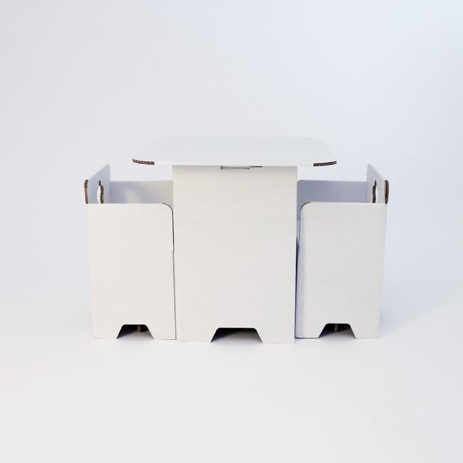 〇テーブル&チェアセット ¥1,000(¥1,100)