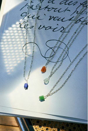 NECKLACE(BLUE, ORANGE, CLEAR, GREEN):¥19,800(税込)