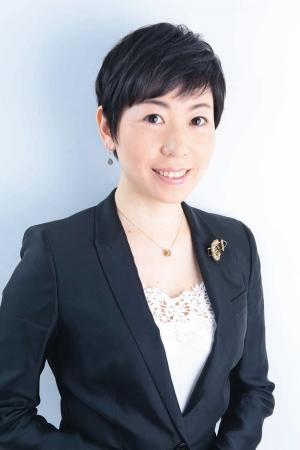 著者の柏原ゆきよさんは、一般社団法人日本健康食育協会代表理事であり、管理栄養士。読売新聞、ファンケル、全農、大戸屋など大企業で食育セミナーを開催。