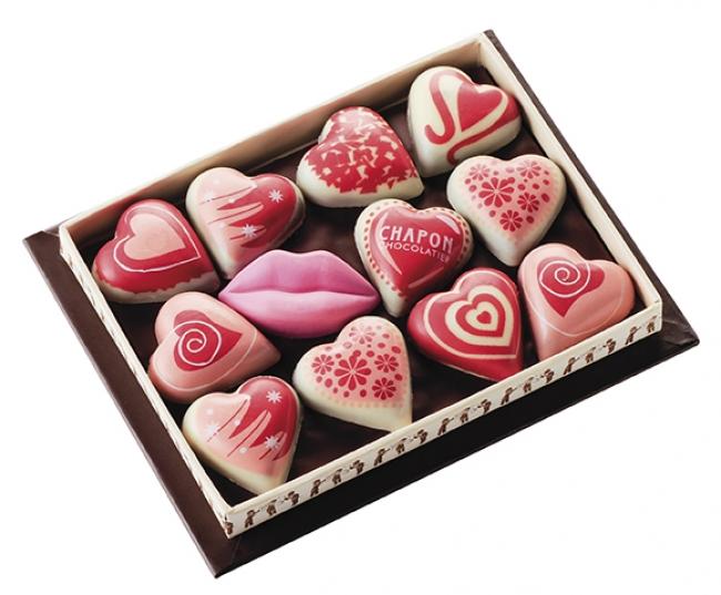 鮮やかなハート柄と、唇のチョコレートがキュート
