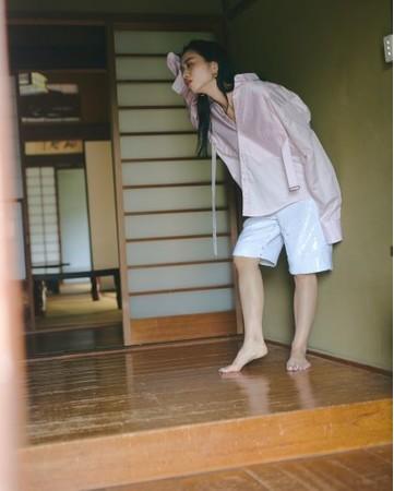 SEQUIN PANTS ¥17,600 (TAX IN)