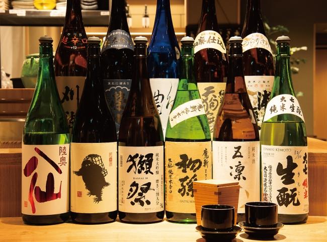 日本酒は全国から選りすぐった間違いないラインナップ