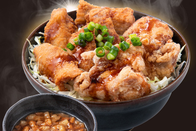鶏&豚合盛り!背脂唐揚げ丼(並盛:1,100円)