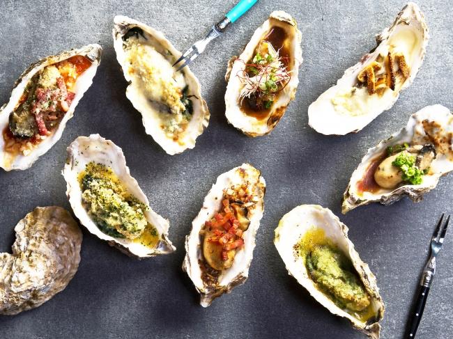 焼牡蠣もワインとの相性も抜群!どれをオーダーしようか迷うのも楽しみの一つ