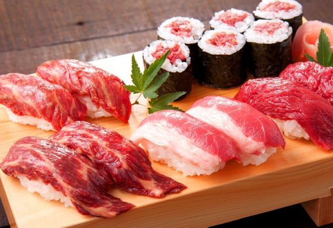 「馬肉の握寿司五点盛り」(1,980円税別)