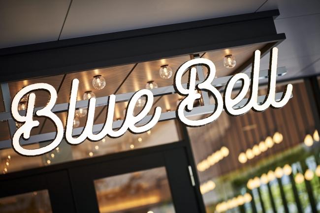 """カフェダイニング「ALL DAY CAFE & DINING """"The Blue Bell""""」"""