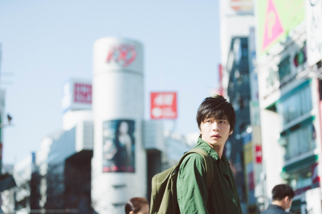 田中圭写真集「R」中面サンプル 1