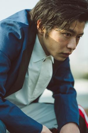 田中圭写真集「R」中面サンプル 3