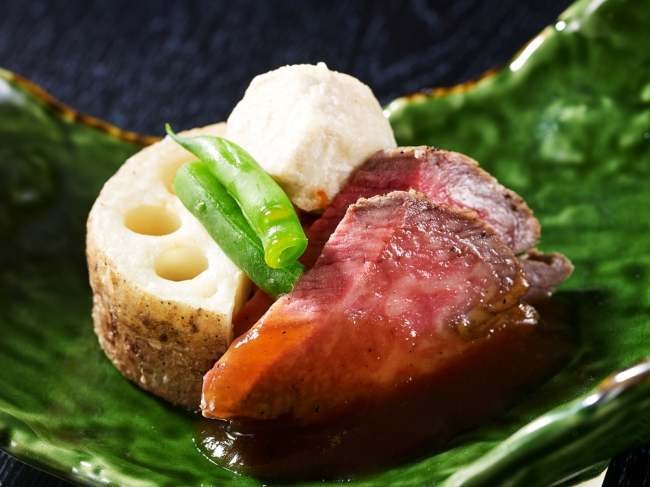 特選牛のステーキ 根菜いろいろ