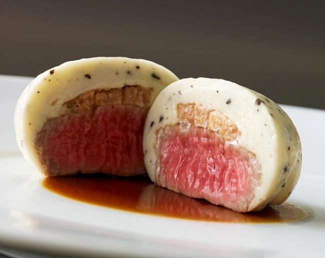 フォアグラと仔牛フィレ肉を包んだムースリーヌ トリュフ風味