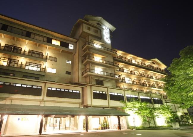 加賀を代表する老舗旅館 瑠璃光