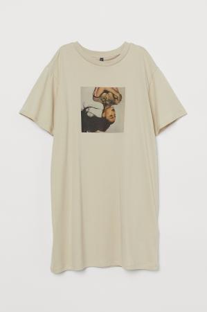オーバーサイズTシャツ¥3,999